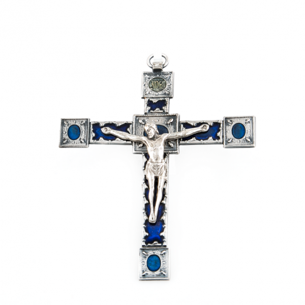 Muurkruis / kruisbeeld van metaal met blauwkleurige emaillelaag